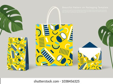 Creaive Pattern on Packaging Template : Paper Bags and Envelope : Vector Illustration