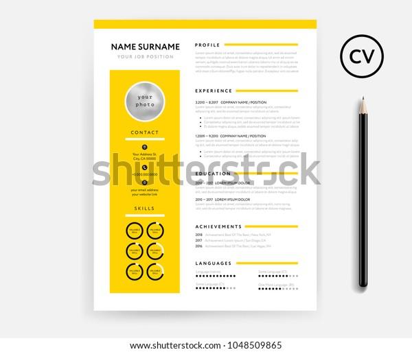 Contoh desain CV warna kuning