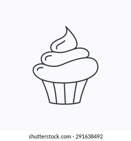 Cupcake icon. Dessert cake sign. Delicious bakery food symbol. Linear outline icon on white background. Vector