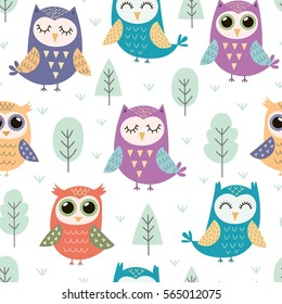 Cute owls seamless pattern. Funny forest background. Vector illustration