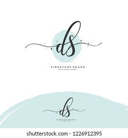 D S DS Initial letter handwriting and  signature logo.