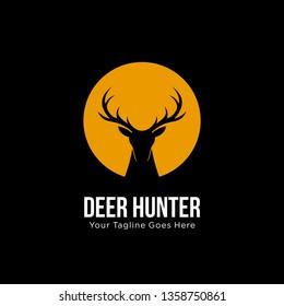 deer hunter logo design template. vector illustration of deer head silhouette on circle, night moon concept. hunter club, deer hunting, animal wildlife symbol icon