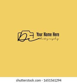 Di Initial Signature Photography Logo