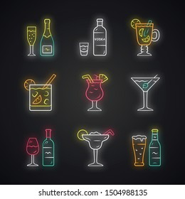 Drinks neon light icons set. Alcohol drinks card. Champagne, vodka, hot toddy, wine, beer, cocktail in lowball glass, martini, margarita, pina colada. Glowing signs. Vector isolated illustrations