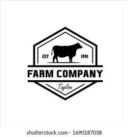 farm concept logo. Label for natural farm products. Logotype isolated on white background. farm with chicken and cow logo