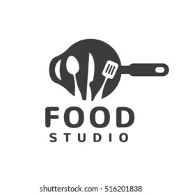 Food studio vector logo. Kitchen tools. Food icon. Food logo. Cooking logo. Restaurant vector logo template. Cafe logo. Pan icon.