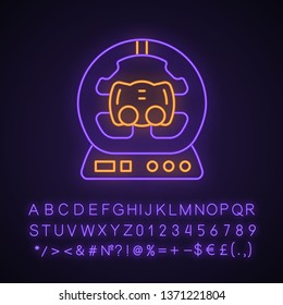 Gaming accessory neon light icon. PC steering wheel. Esports device. Gadget for driving simulation game. Racing. Glowing sign with alphabet, numbers and symbols. Vector isolated illustration