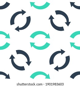 Green Refresh icon isolated seamless pattern on white background. Reload symbol. Rotation arrows in a circle sign. Vector.