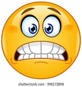 Grimacing emoji emoticon showing bared teeth