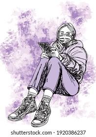 illustration à l'encre dessinée à la main d'une jeune fille assise sur le sol, portant un masque, des vêtements d'hiver et des chaussures de tennis, sur fond grunge violet, elle tient un cahier noir dans ses mains