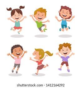 Felices chicos multirraciales saltando y riendo alegremente. Diseño de caricaturas aisladas en fondo blanco. Juego 3 de 3.