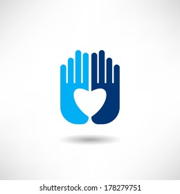 Heart on the hands icon