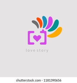 icon of photographer shooting love stories, camera with heart and petals, vector logo photo equipment