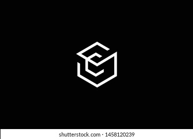 Initial letter SC CS minimal monogram art logo, gold color on black background.
