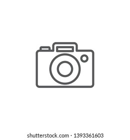 Isolated camera icon line symbol on clean background. Vector photo apparatus element in trendy style.