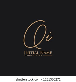 Letter Qi Logo. Initial Letter Design Vector Luxury Colors
