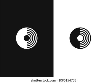 Merging linear icon. Thin and thick line illustration. Integration abstract metaphor contour symbol. Schematic vector emblem for your design. Black white version.
