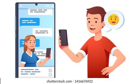 Concepto moderno de comunicación. Hombre, pareja de mujeres charlando, enviando mensajes usando una aplicación de chat o red social en el teléfono móvil. Conversación de dos personas a través del teléfono celular enviando mensajes. Ilustración vectorial plana