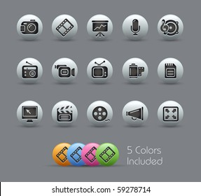 Multimedia // Pearly Series -------It includes 5 color versions for each icon in different layers ---------