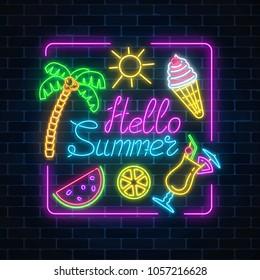 Immagini Foto Stock E Grafica Vettoriale A Tema Summer Night Neon