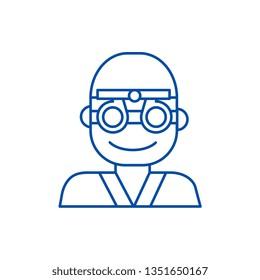 Oculist,ophthalmologist,eye doctor line icon concept. Oculist,ophthalmologist,eye doctor flat  vector symbol, sign, outline illustration.