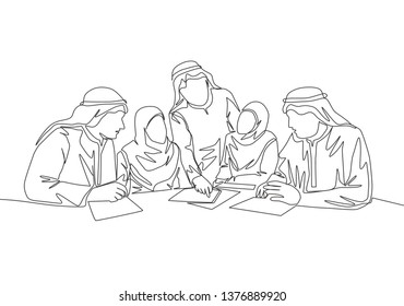 One continuous line drawing of young muslim businesspeople discussing deal project together while team meeting. Islamic clothing shemag, kandura, scarf, keffiyeh. Single line draw design illustration