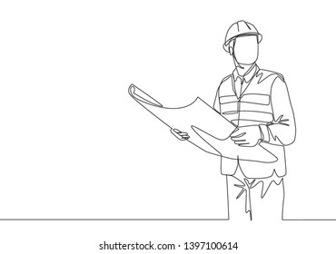 One continuous line drawing of young foreman manager controlling the construction of building. Building architecture business concept. Single line draw vector graphic design illustration