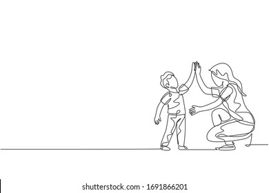 One single line drawing of young mother giving high five to her son for a success achievement, parenting vector illustration. Happy family playing together concept. Modern continuous line draw design
