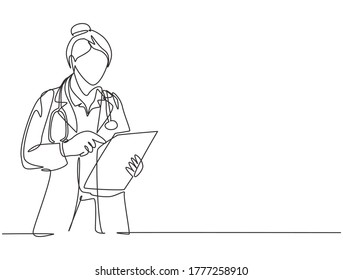 One single line drawing of young female doctor reading patient medical record on clipboard while stand at hospital hallway. Medical health care concept continuous line draw design vector illustration