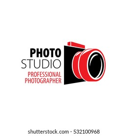 A photographer camera logo