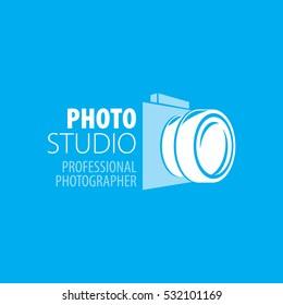 A photographer camera logo