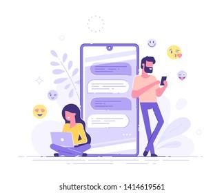 美しい女性はノートパソコンに座り、背景に大きな電話と絵文字を持つハンサムな男性とおしゃべりをしている。アプリと仮想の関係をデートしています。チャットバブル。現代のベクターイラスト。
