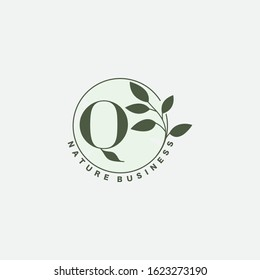 Q Letter Logo Circle Nature Leaf,  vector logo  design concept  botanical floral leaf with initial letter logo icon for nature business.