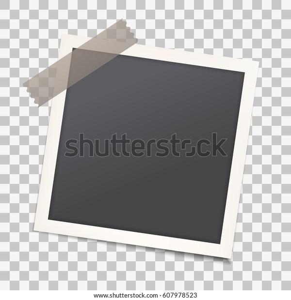 Реалистичная фоторамка с тенью на прозрачном изолированном фоне, пустой фотоснимок шаблон с клейкой лентой. Макет для старинных стильных фотографий или изображений, EPS10