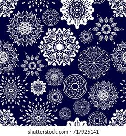 round flower zentangle boho Porcelain tone winter snowflakes cold season monochrome tone vector pattern seamless