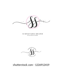S S SS Initial letter handwriting and  signature logo.