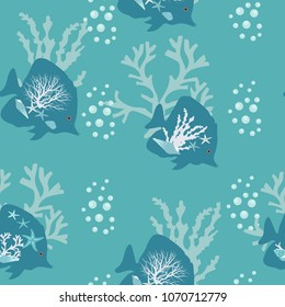 Seamless pattern of beautiful stylized sea fish with seaweed on a blue background. For decorating textiles, packaging, wallpapers and web design. Vector illustration.