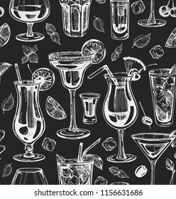 Seamless pattern with graphic cocktails on the chalkboard