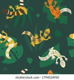 Seamless pattern with leopard geckos and tropical leaves. Colorful lizards exotic illustration on green background. - Vector