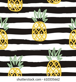 Seamless Summer print with pineapple