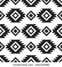 Seamless tribal black and white pattern. Ethnic vector ornament.