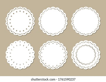 Set of Cute Lace Doilies, Vintage Place Mats, Paper Cut Out Design
