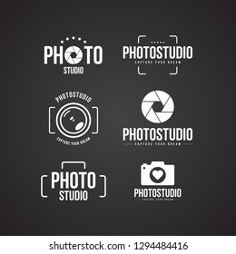 Set of photography logo and photo studio label black color. Vector design elements, business signs, logos, identity, labels, badges and other branding objects for your business. Vector illustration.