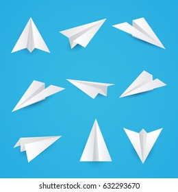 Set a simple paper planes icon. Vector illustration.