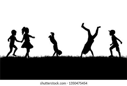 Silhouetten von Kindern spielen. Silhouetten ist konzeptuell.