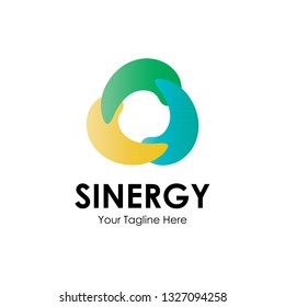 Sinergy logo with three colors