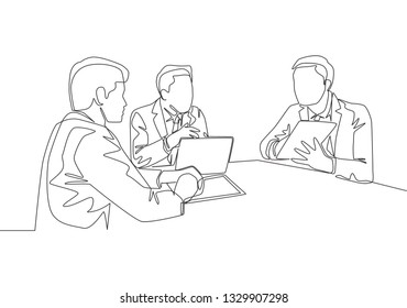 Single continuous line drawing of young happy businessmen discussing in meeting room to colaborate at some projects. Business collaboration concept one line draw design illustration