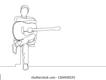 Single continuous line drawing of young happy male guitarist sitting after playing acoustic guitar on chair. Musician artist performance concept one line draw design illustration