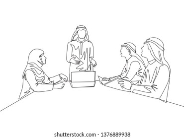 Single continuous line drawing of young muslim businessman presenting proposal business to prospective investor. Arab middle east cloth shmagh, kandura, thawb, robe. One line draw design illustration