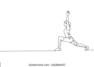 Single continuous line drawing of young sportive woman training low lunge pose in sport gymnasium club center. Fitness stretching concept. Trendy one line draw design graphic vector illustration